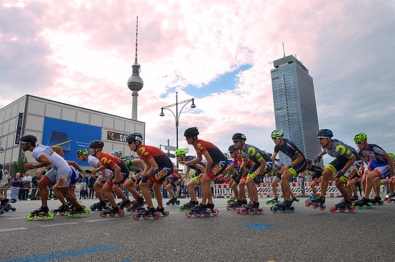 The BMW BERLIN MARATHON Skating course is a sightseeing tour on wheels