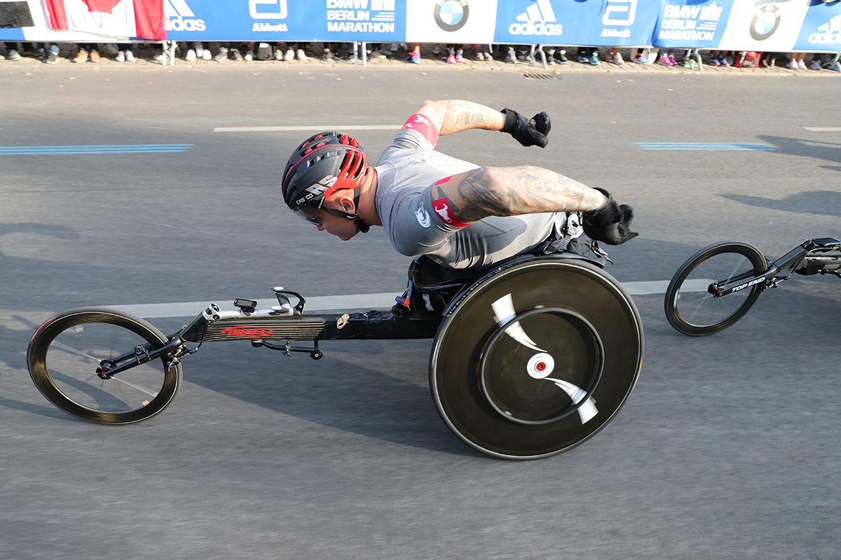 David Weir (GBR) won eight times the London Marathon and is a contender for the title in Berlin.